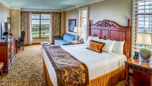 Who's Your Daddy O' Stay Package - Rosen Shingle Creek Guestroom